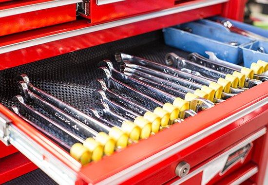 S-TECH世田谷工場にある整理されたキレイな工具