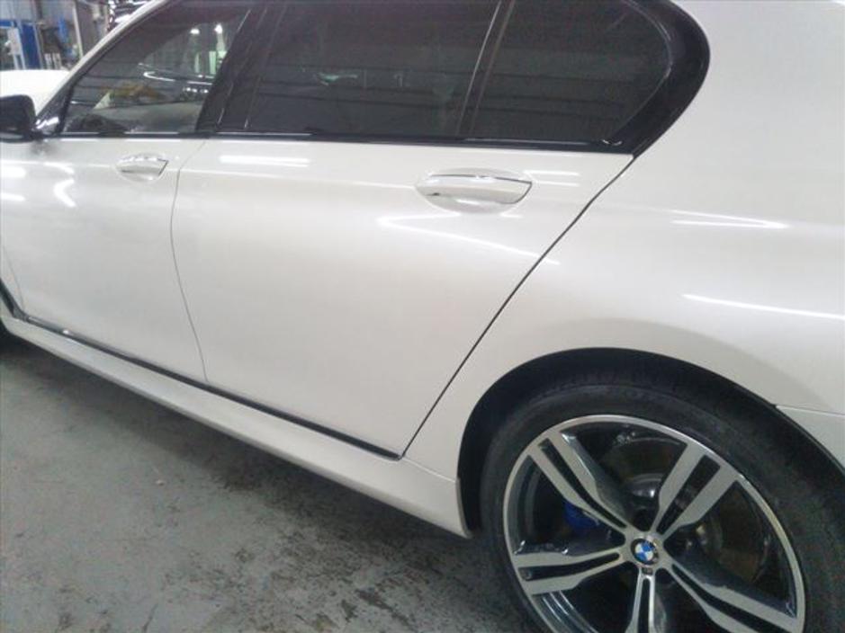 BMW左リアドア修理後