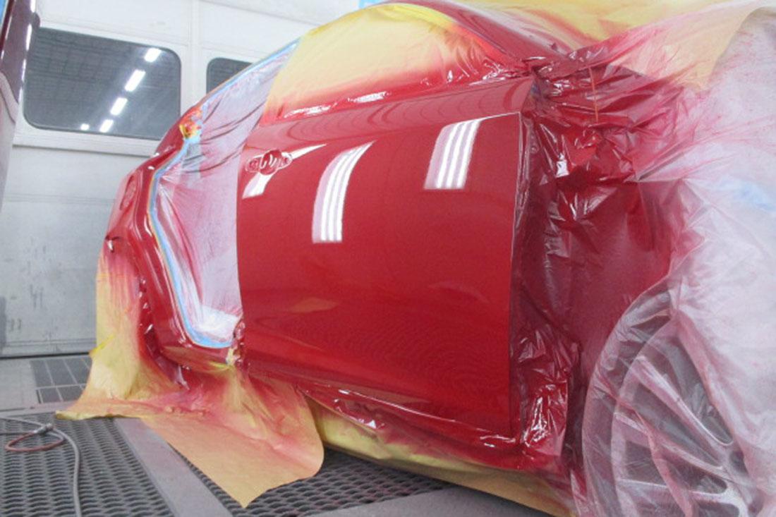 赤のアルファロメオジュリエッタ年式H25.5の修理後